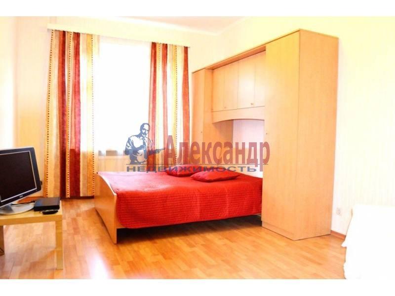 1-комнатная квартира (40м2) в аренду по адресу Свеаборгская ул.— фото 1 из 10