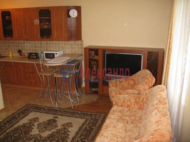 1-комнатная квартира (37м2) в аренду по адресу Пулковская ул., 8— фото 1 из 7