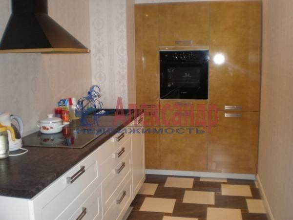 2-комнатная квартира (63м2) в аренду по адресу Большой Сампсониевский пр., 51— фото 2 из 5