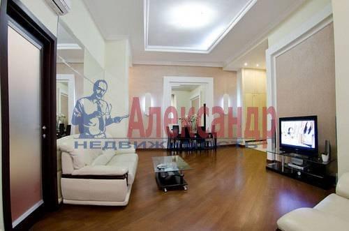 3-комнатная квартира (132м2) в аренду по адресу Реки Фонтанки наб., 40— фото 3 из 11