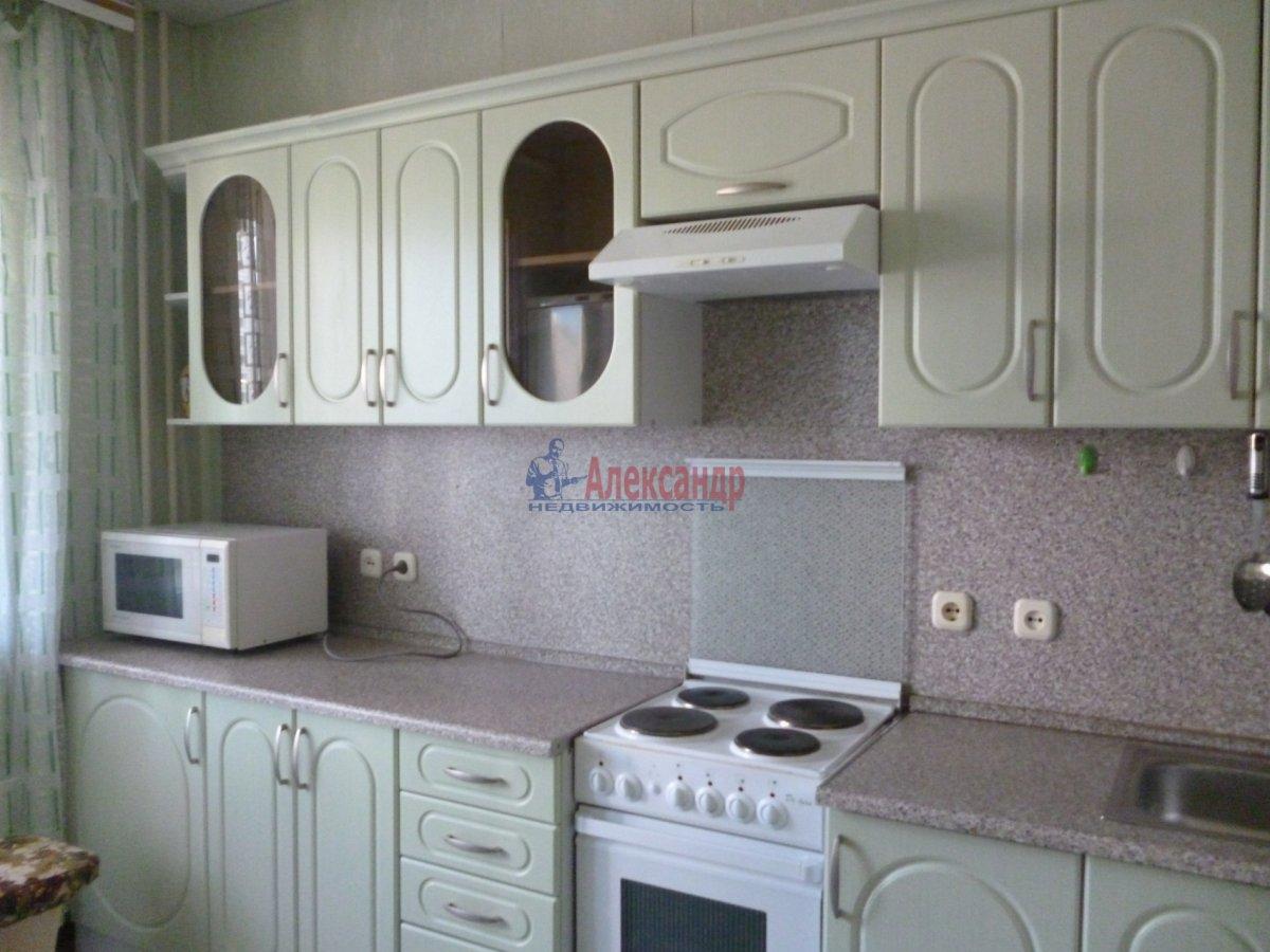 2-комнатная квартира (68м2) в аренду по адресу Комендантский пр., 12— фото 1 из 18