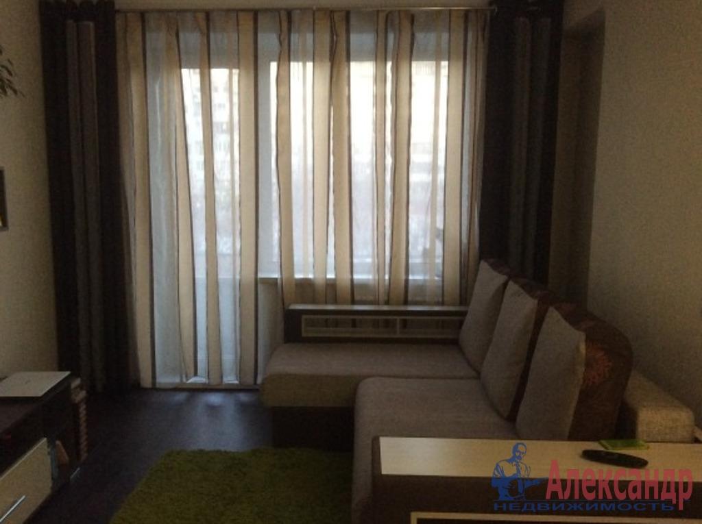 2-комнатная квартира (64м2) в аренду по адресу Камышовая ул., 4— фото 2 из 6