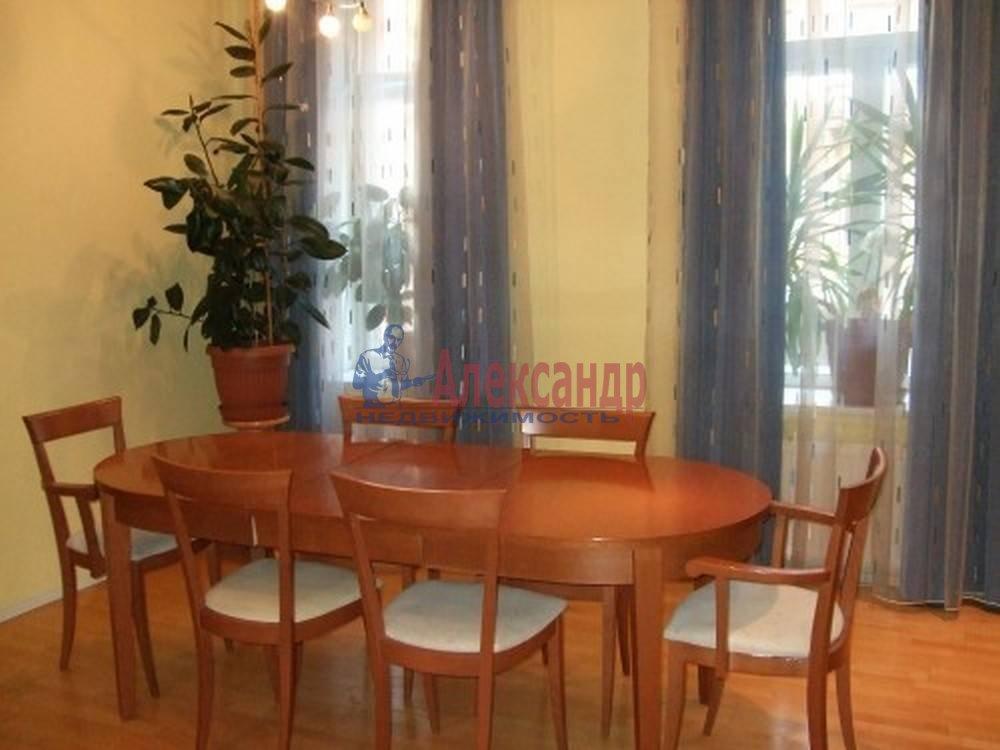 4-комнатная квартира (80м2) в аренду по адресу Полтавская ул., 8— фото 10 из 14