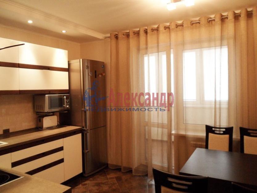 2-комнатная квартира (63м2) в аренду по адресу Белышева ул., 5— фото 1 из 3