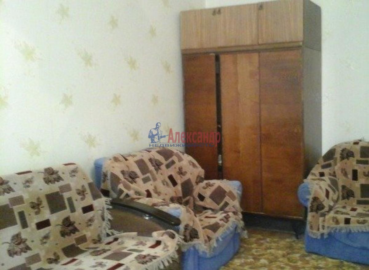 1-комнатная квартира (36м2) в аренду по адресу Театральная пл., 6— фото 1 из 4