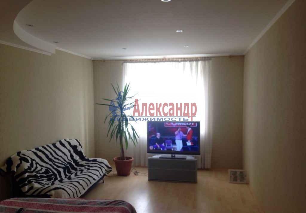 3-комнатная квартира (72м2) в аренду по адресу Художников пр., 13— фото 1 из 5