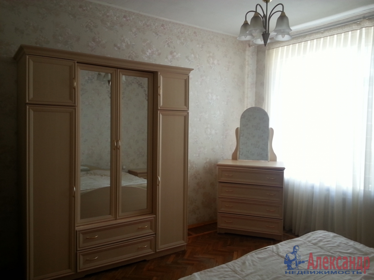 3-комнатная квартира (90м2) в аренду по адресу Московский просп., 193— фото 5 из 9