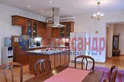 5-комнатная квартира (151м2) в аренду по адресу Канала Грибоедова наб., 12— фото 1 из 9