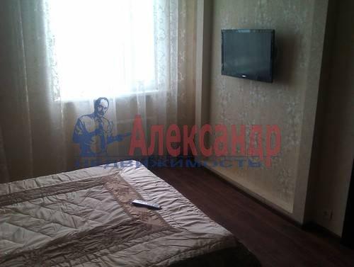 3-комнатная квартира (120м2) в аренду по адресу Композиторов ул., 4— фото 8 из 10
