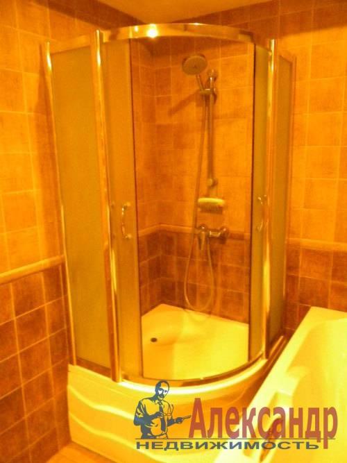 2-комнатная квартира (74м2) в аренду по адресу Декабристов ул., 16— фото 8 из 10