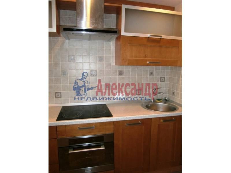 1-комнатная квартира (46м2) в аренду по адресу Бассейная ул., 89— фото 2 из 9