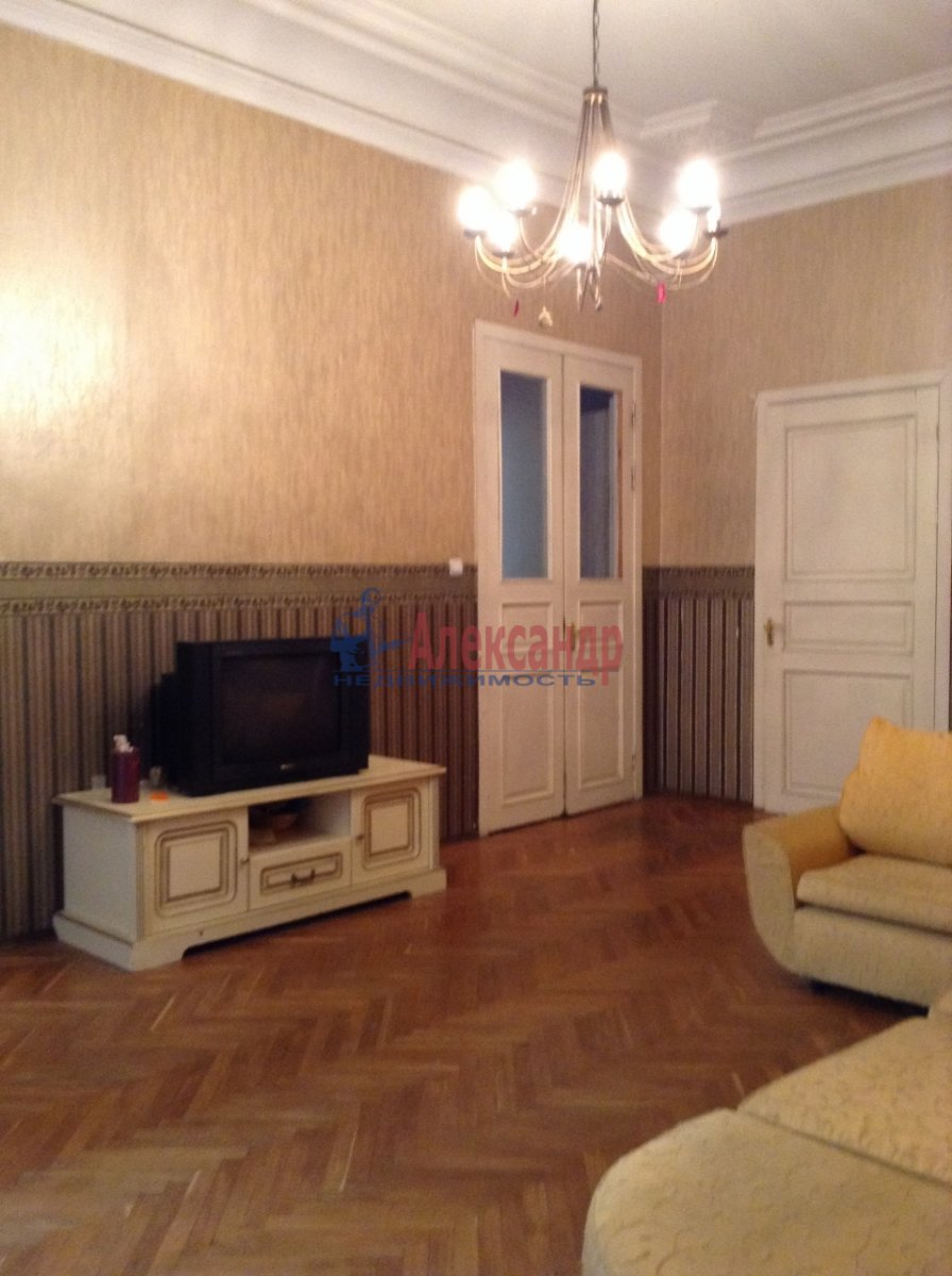 5-комнатная квартира (136м2) в аренду по адресу 8 Советская ул., 14— фото 2 из 9