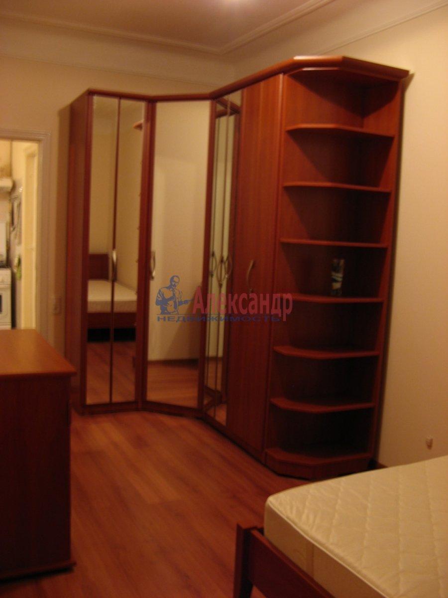 3-комнатная квартира (60м2) в аренду по адресу Чайковского ул., 51— фото 3 из 10