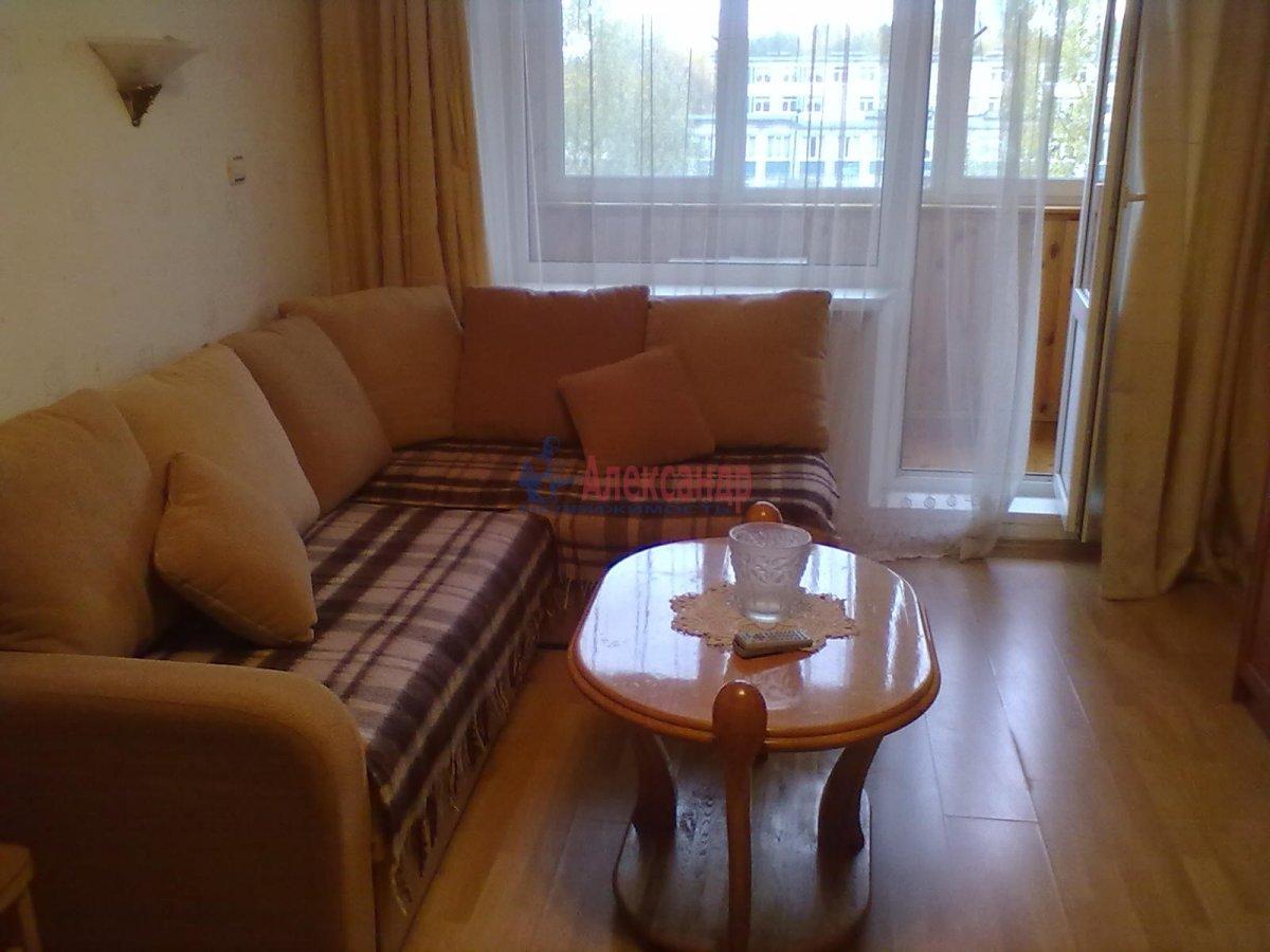 1-комнатная квартира (35м2) в аренду по адресу Ярослава Гашека ул., 4— фото 1 из 4
