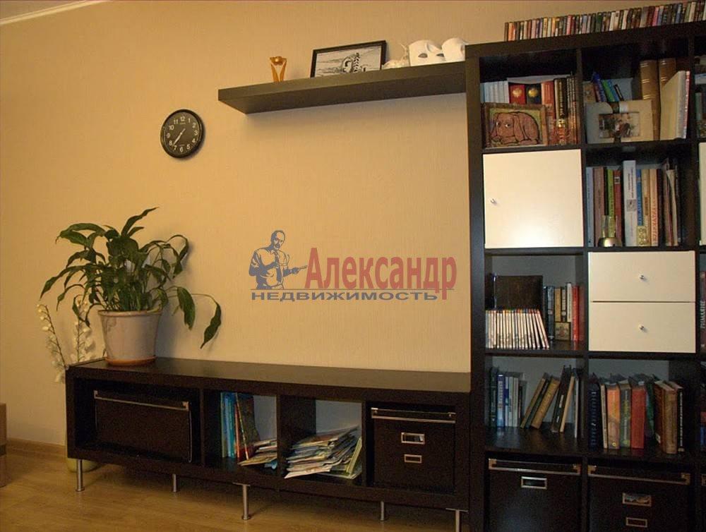 2-комнатная квартира (65м2) в аренду по адресу Бутлерова ул., 40— фото 7 из 14