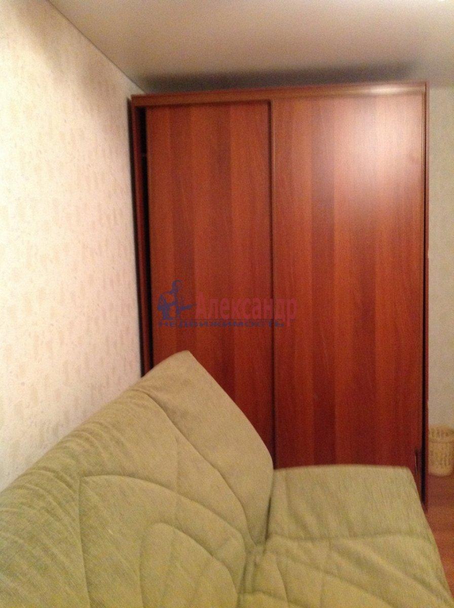 Комната в 4-комнатной квартире (86м2) в аренду по адресу Краснопутиловская ул., 99— фото 3 из 8