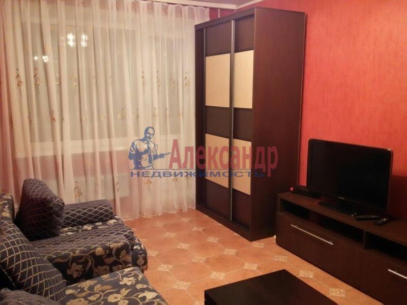 2-комнатная квартира (45м2) в аренду по адресу Школьная ул., 11— фото 2 из 3