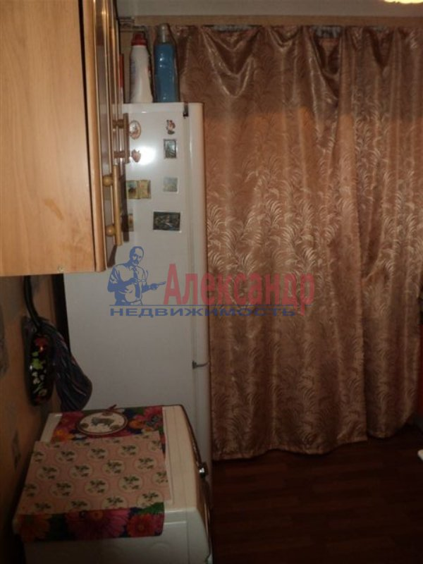 1-комнатная квартира (35м2) в аренду по адресу Тимуровская ул., 23— фото 2 из 7