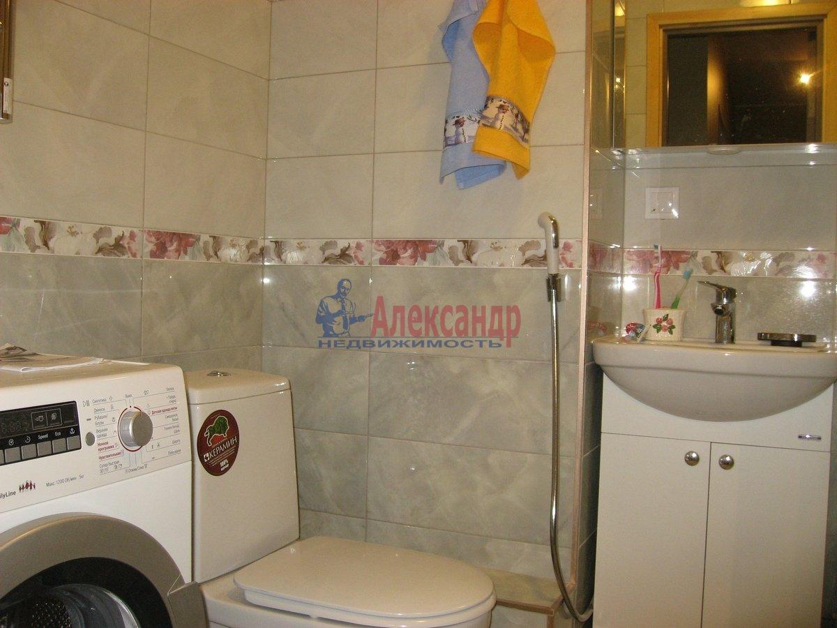 2-комнатная квартира (62м2) в аренду по адресу Одоевского ул., 22— фото 8 из 11