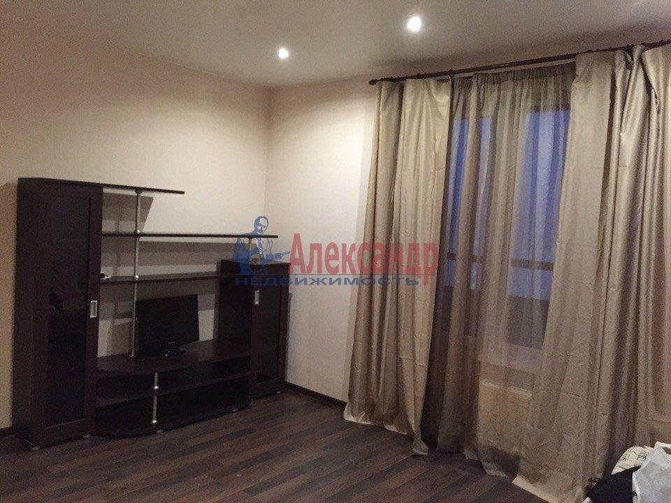 1-комнатная квартира (41м2) в аренду по адресу Пулковская ул., 8— фото 1 из 7