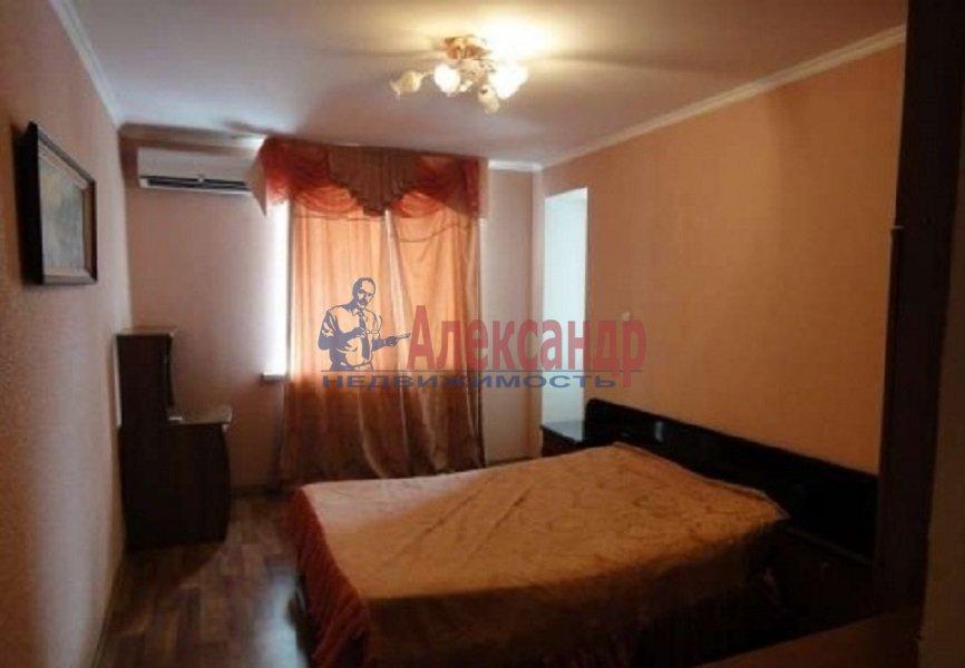 1-комнатная квартира (45м2) в аренду по адресу Парголовская ул., 3— фото 1 из 4