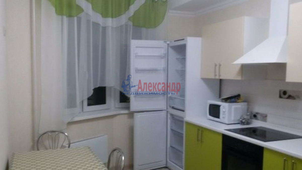 1-комнатная квартира (34м2) в аренду по адресу Купчинская ул., 17— фото 2 из 3