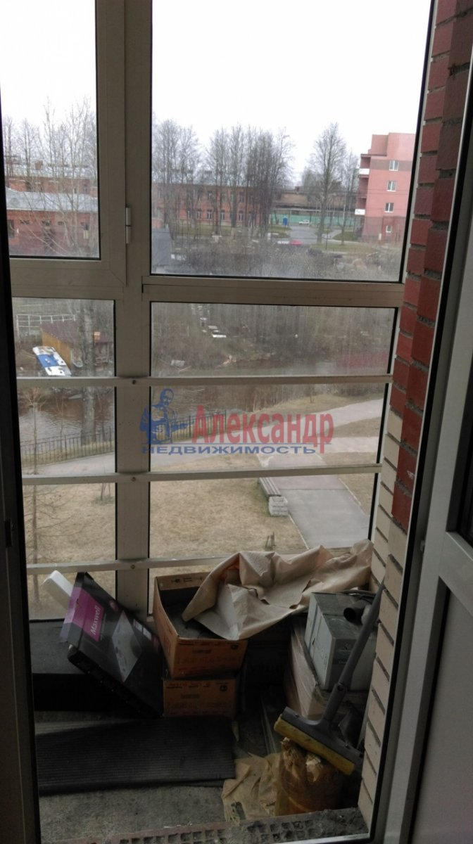 1-комнатная квартира (37м2) в аренду по адресу Савушкина ул., 115— фото 2 из 5