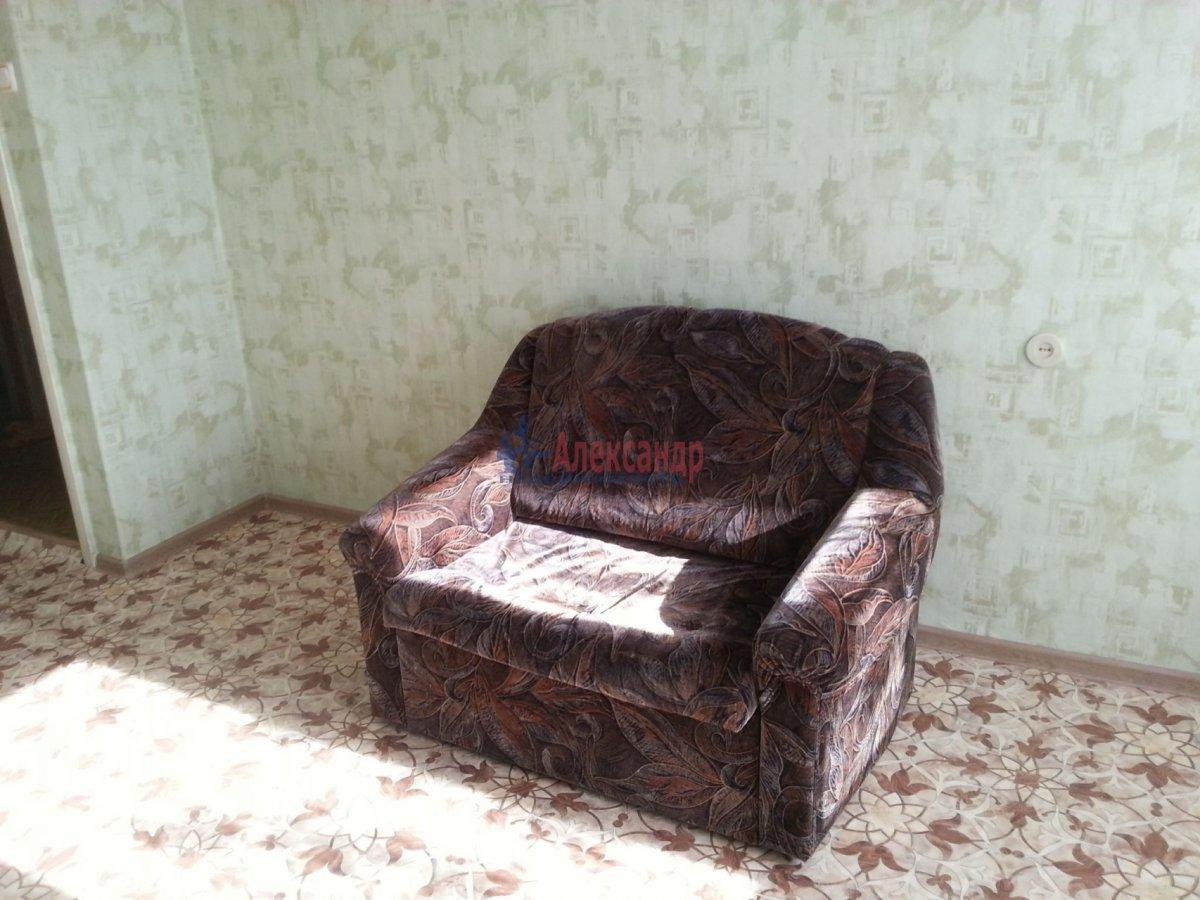 1-комнатная квартира (35м2) в аренду по адресу Светлановский просп., 58— фото 2 из 4