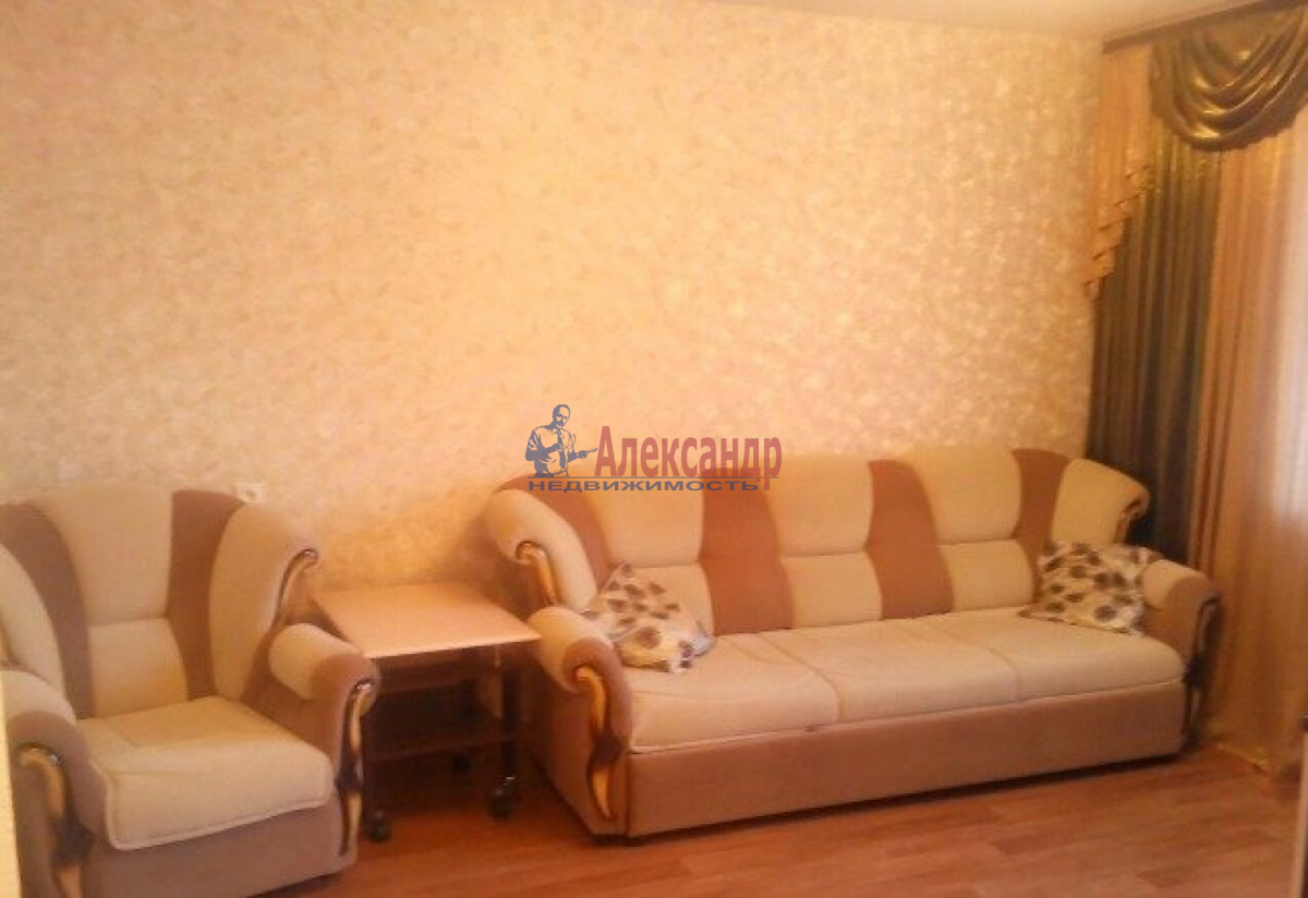 1-комнатная квартира (39м2) в аренду по адресу Ленинский пр., 75— фото 3 из 6