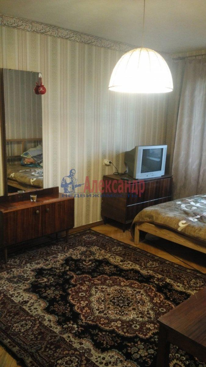 1-комнатная квартира (31м2) в аренду по адресу Новочеркасский пр., 51— фото 1 из 7