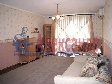 2-комнатная квартира (50м2) в аренду по адресу Наставников пр., 34— фото 2 из 4