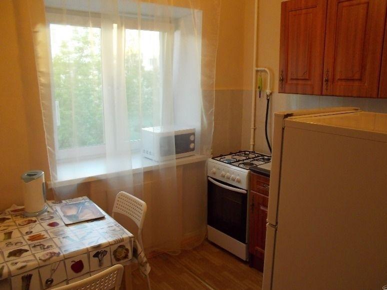 Комната в 2-комнатной квартире (61м2) в аренду по адресу Академика Лебедева ул., 9— фото 2 из 3