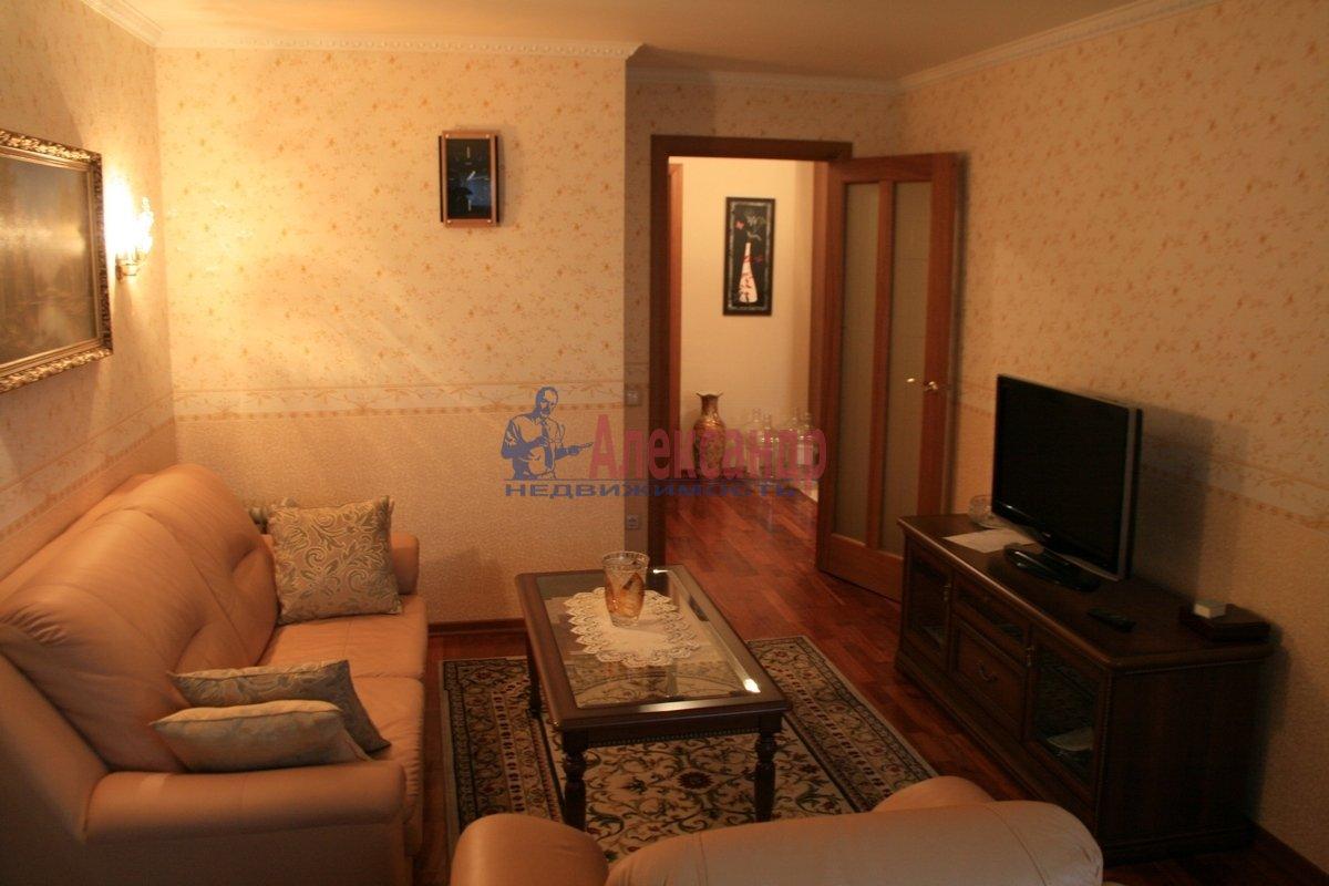 2-комнатная квартира (48м2) в аренду по адресу Варшавская ул., 37— фото 1 из 8