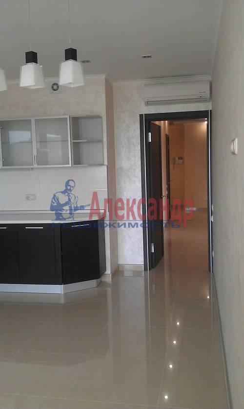 2-комнатная квартира (75м2) в аренду по адресу Наставников пр., 3— фото 3 из 13
