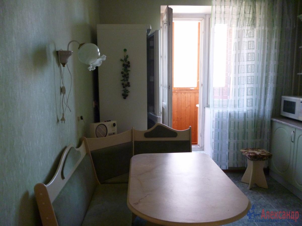 2-комнатная квартира (68м2) в аренду по адресу Комендантский пр., 12— фото 6 из 18