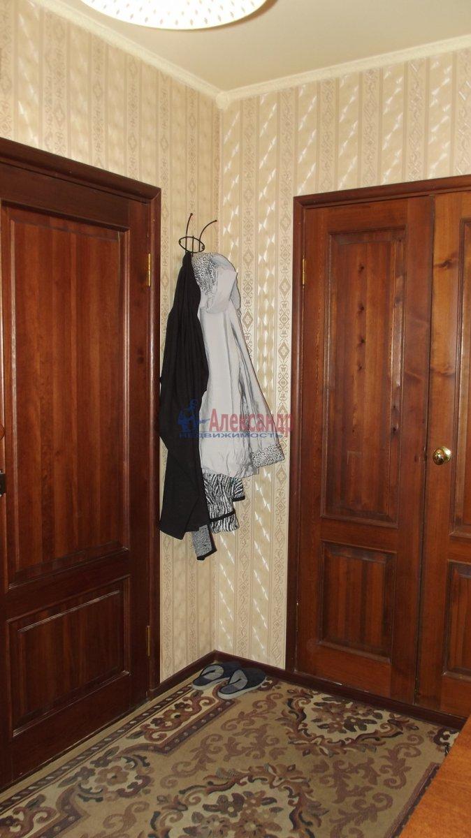 1-комнатная квартира (35м2) в аренду по адресу Нарвский пр., 9— фото 2 из 6