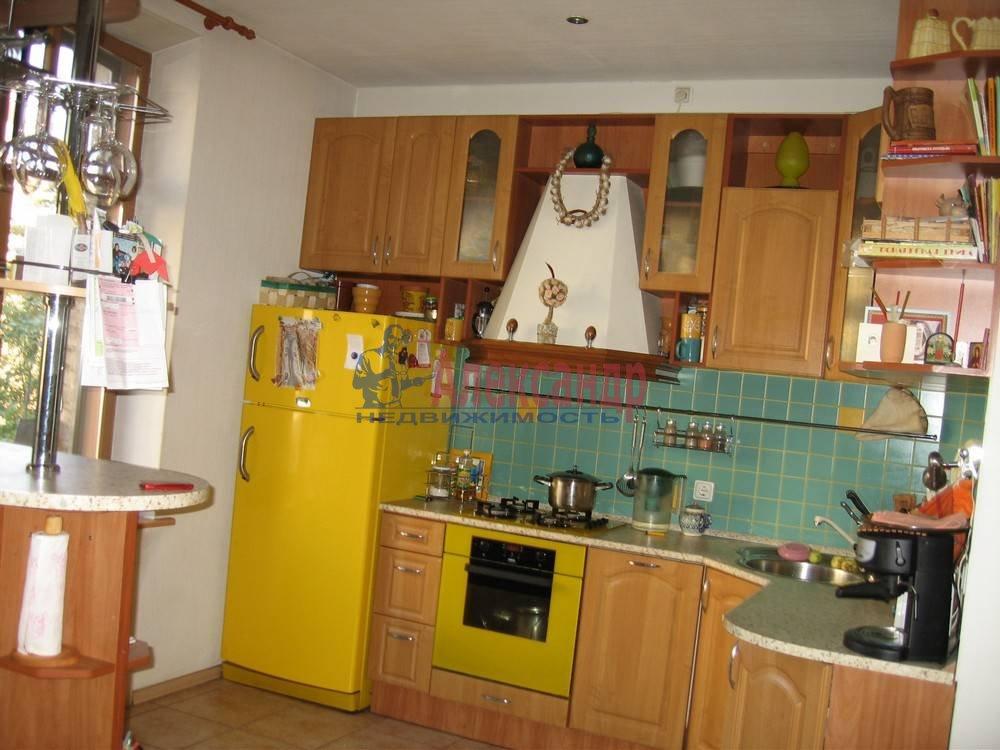 3-комнатная квартира (110м2) в аренду по адресу Ждановская наб., 11— фото 3 из 7