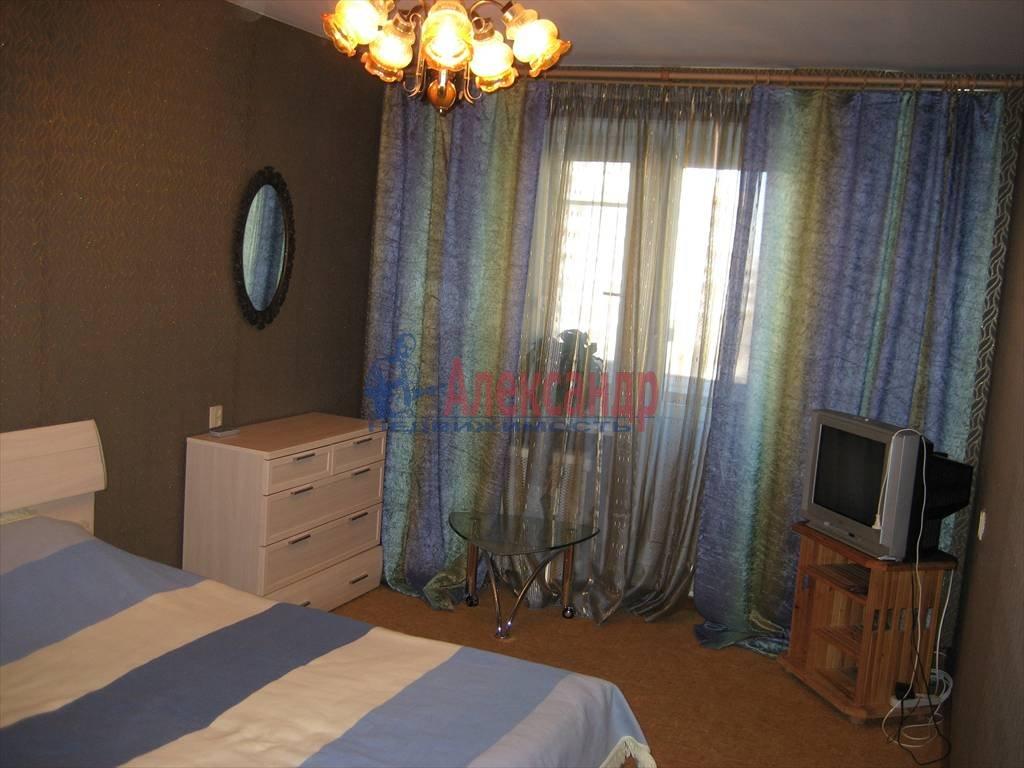 4-комнатная квартира (90м2) в аренду по адресу Морская наб., 15— фото 1 из 3