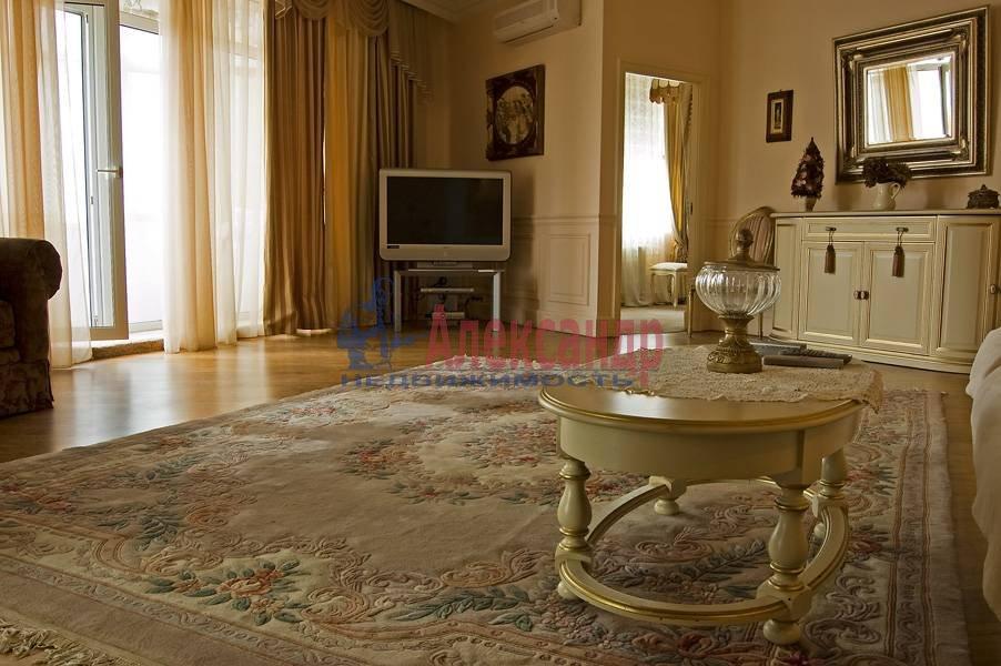 3-комнатная квартира (100м2) в аренду по адресу Крестовский пр., 13— фото 1 из 10