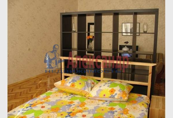 2-комнатная квартира (70м2) в аренду по адресу Марата ул., 4— фото 5 из 9