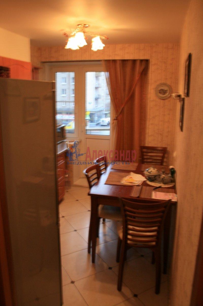 2-комнатная квартира (48м2) в аренду по адресу Варшавская ул., 37— фото 4 из 8