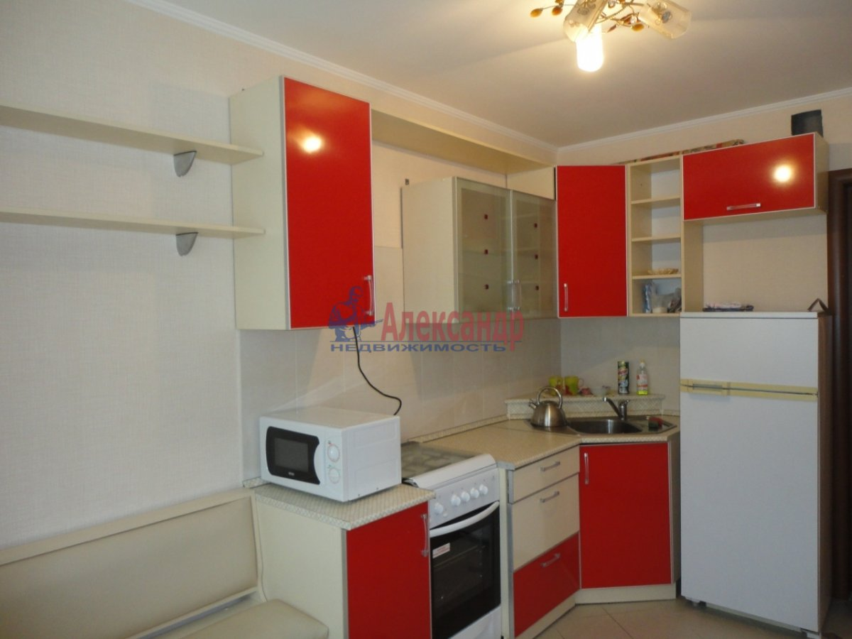 1-комнатная квартира (40м2) в аренду по адресу Железноводская ул., 60— фото 2 из 5