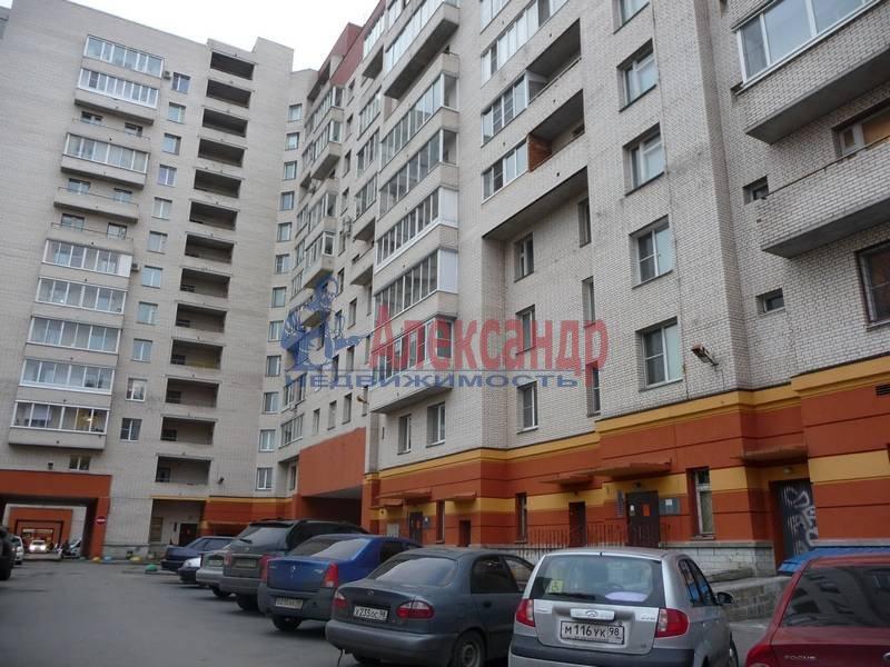 3-комнатная квартира (103м2) в аренду по адресу Ветеранов пр., 122— фото 4 из 17