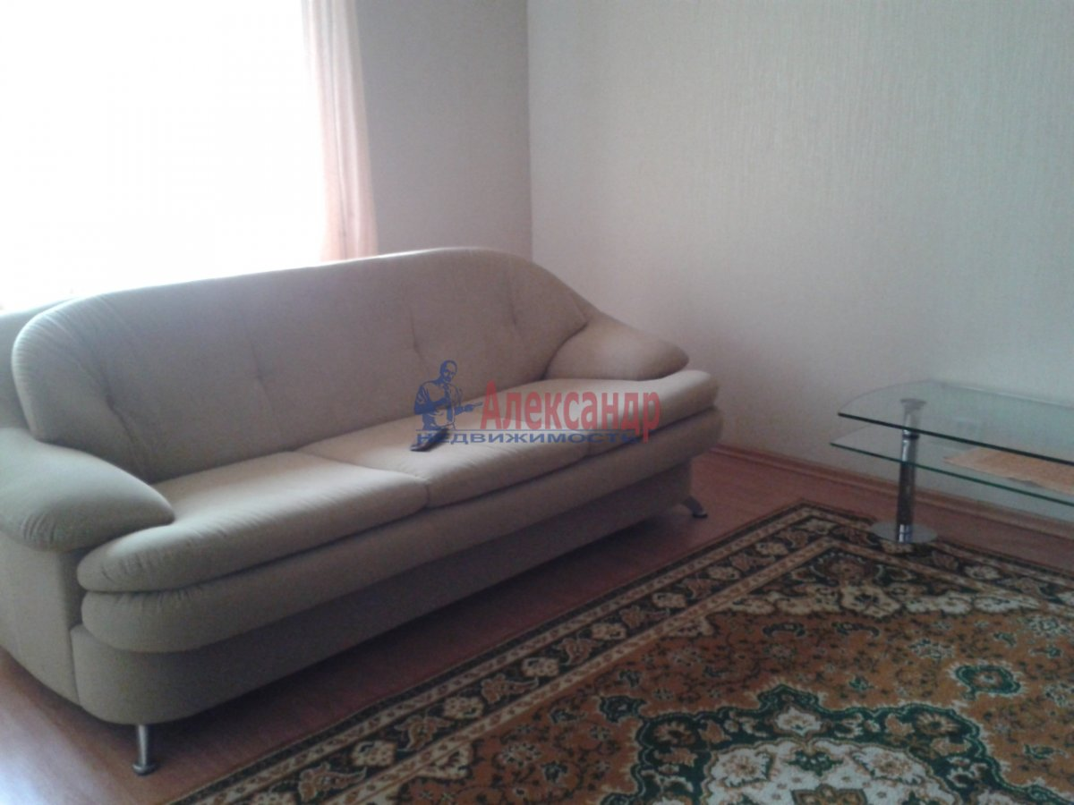 2-комнатная квартира (75м2) в аренду по адресу Туристская ул., 28— фото 1 из 6