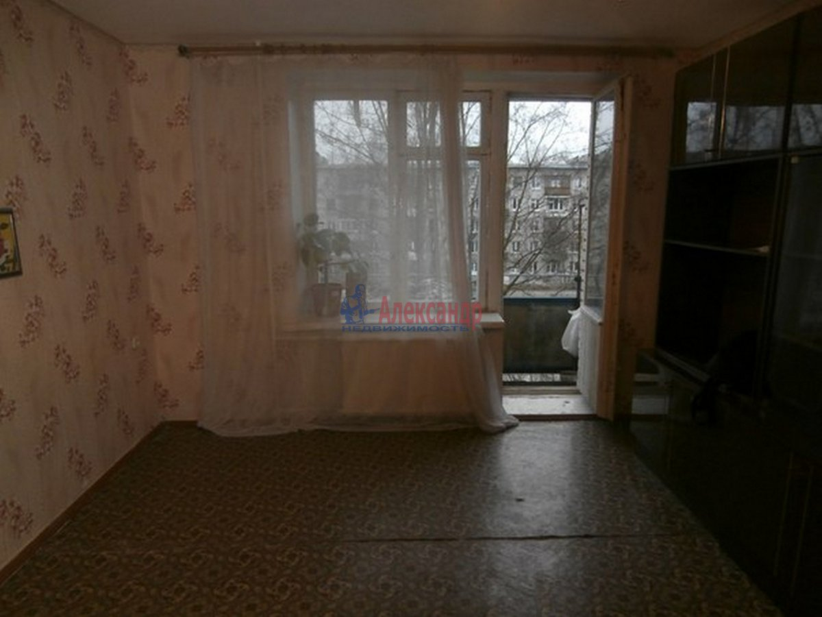 1-комнатная квартира (31м2) в аренду по адресу Звездная ул.— фото 1 из 6