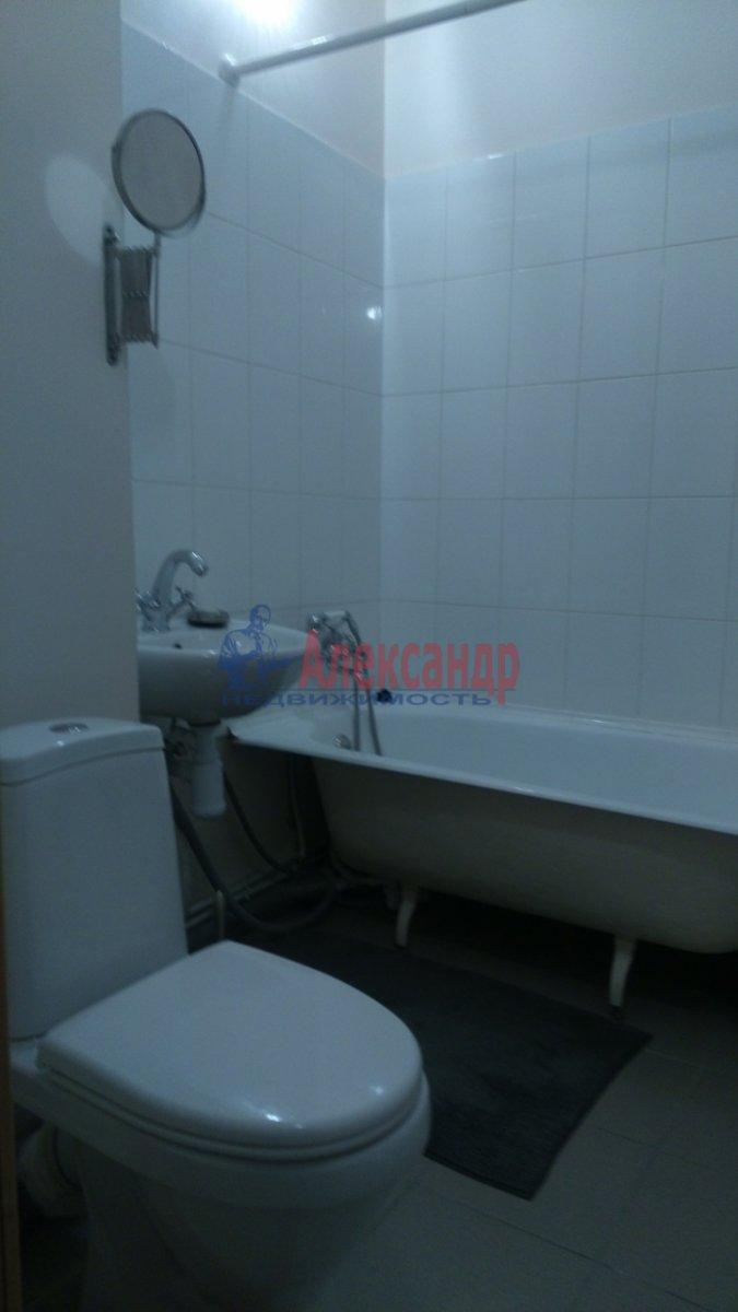 1-комнатная квартира (36м2) в аренду по адресу Брянцева ул., 15— фото 5 из 8