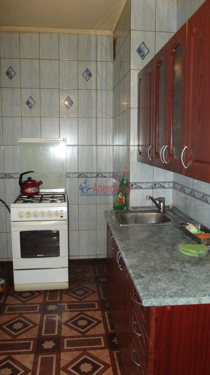 1-комнатная квартира (35м2) в аренду по адресу Нарвский пр., 9— фото 1 из 6