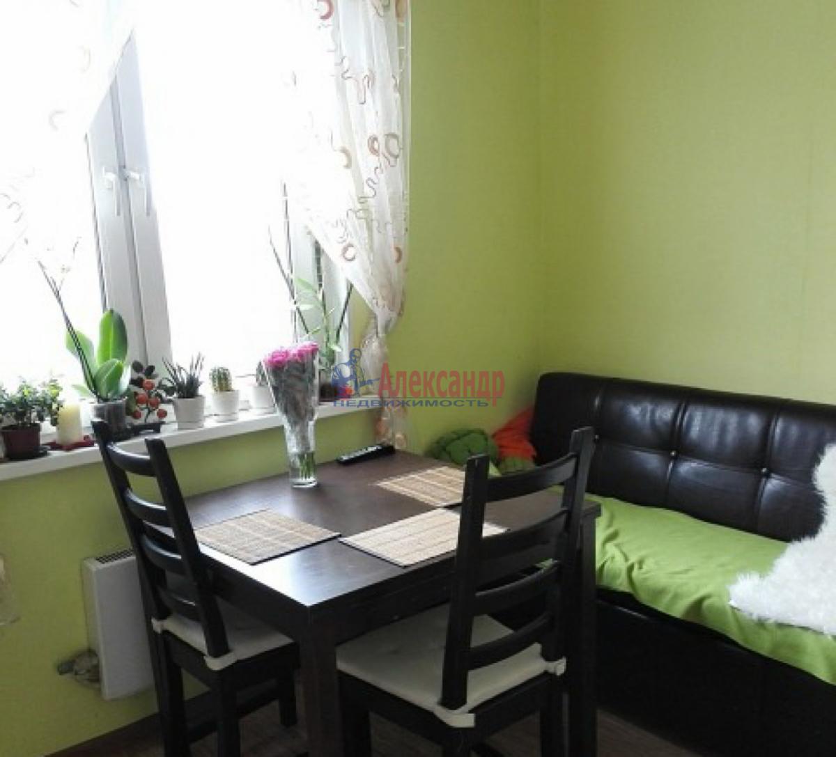 1-комнатная квартира (42м2) в аренду по адресу Ветеранов пр., 52— фото 2 из 5