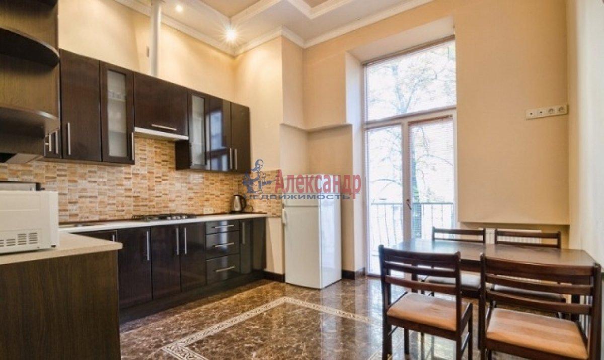 2-комнатная квартира (70м2) в аренду по адресу Богатырский пр., 49— фото 3 из 9