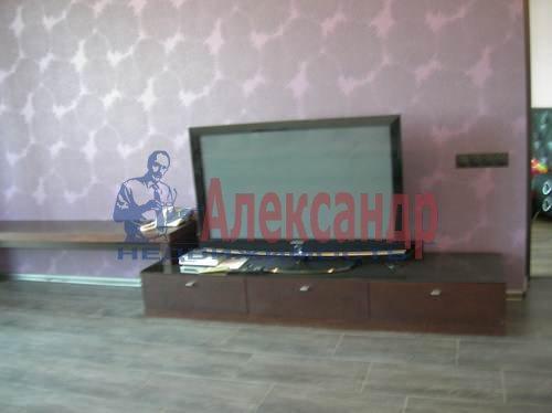 2-комнатная квартира (80м2) в аренду по адресу Коломяжский пр., 26— фото 5 из 10